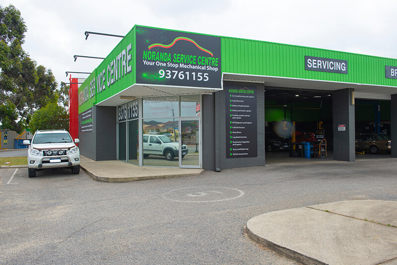 Noranda Service Centre - Car Auto Services Contact Image - Full View of the Noranda Service Centre Office Shop Building