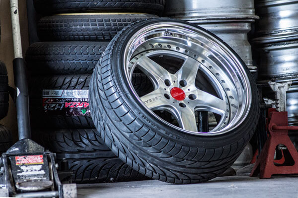 Noranda Service Centre Gallery Images - Car Mags and Tires in the Stock Room Chrome Stainless